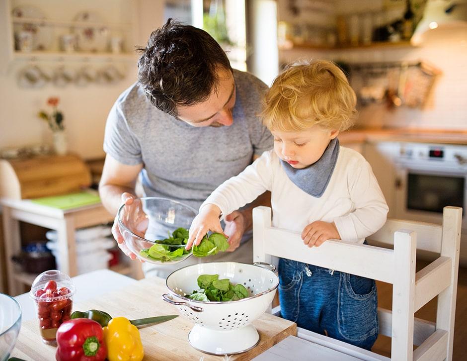 zona de alimentación-ambiente en casa para niños de 1 a 2 años